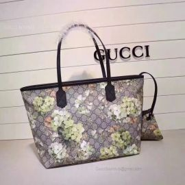 Gucci Blooms GG Supreme Shopping Bag Dark Blue 405020