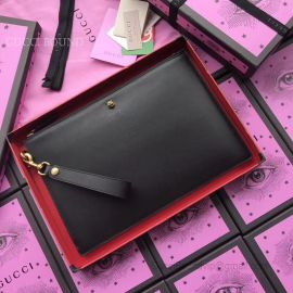 Gucci Leather Pouch Embellised Tigar Hand Bag Black 428724