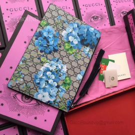 Gucci Embroidered GG Supreme Pouch Blue Flower 431416