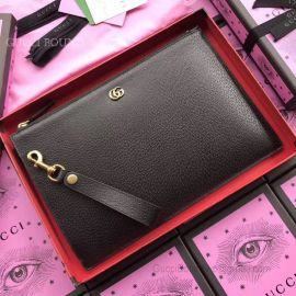 Gucci GG Marmont Leather Pouch Black 475317