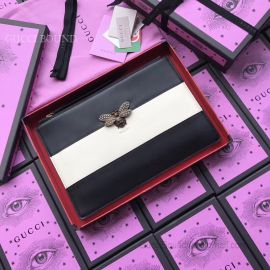 Gucci Women Leather Clutch Black And White 476077