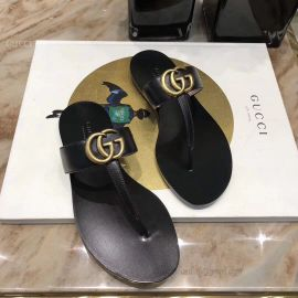 Gucci Leather Thong Sandal With Double G Black