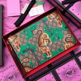 Gucci GG Supreme Pouch With Tiger Brown 451473
